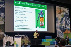 DR. LINDIWE MAJELE SIBANDA TALKS'AFRICA'S RAINBOW REVOLUTION WILL FEED AFRICA AND THE WORLD – IT CAN BE DONE, AT IARU SUSTAINABILITY SCIENCE CONGRESS 2014 (PHOTO: IMOGEN STUART)